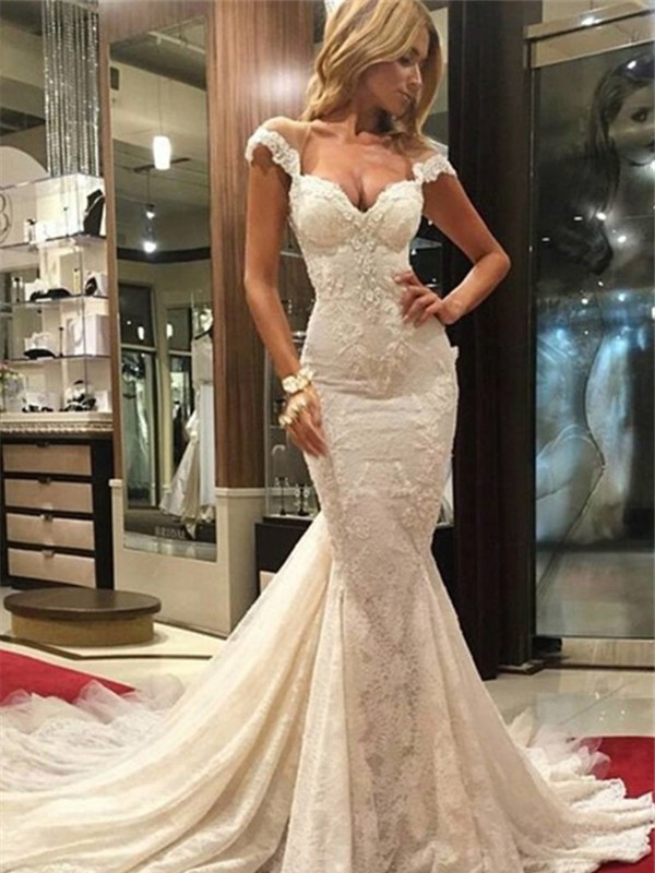 Trumpet/Mermaid Sleeveless Chapel Train V-neck Lace Wedding Dresses