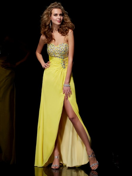 A-Line/Princess Sweetheart Sleeveless Long Chiffon Beading Dresses