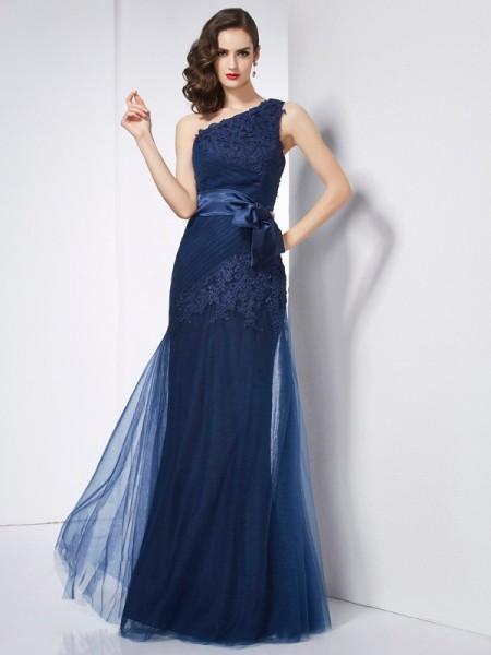 A-Line/Princess One-Shoulder Sleeveless Applique Long Net Dresses