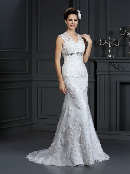 Sheath/Column V-neck Beading Sleeveless Long Lace Wedding Dresses