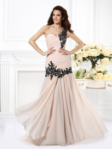 A-Line/Princess One-Shoulder Beading Applique Sleeveless Long Chiffon Dresses