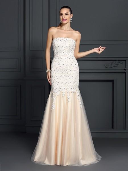Trumpet/Mermaid Strapless Lace Sleeveless Long Satin Dresses