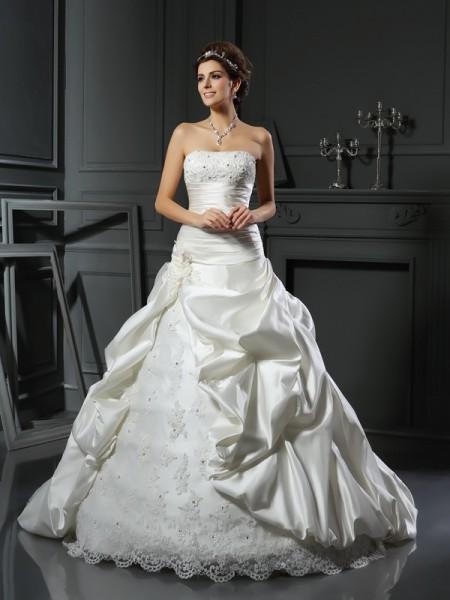Ball Gown Sweetheart Beading Applique Sleeveless Long Satin Wedding Dresses