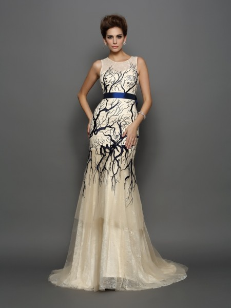 Trumpet/Mermaid Scoop Applique Sleeveless Long Tulle Dresses