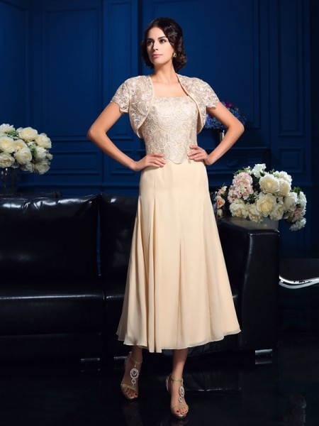 A-Line/Princess Square Applique Sleeveless Short Chiffon Mother of the Bride Dresses