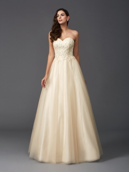 A-Line/Princess Sweetheart Beading Sleeveless Long Net Dresses