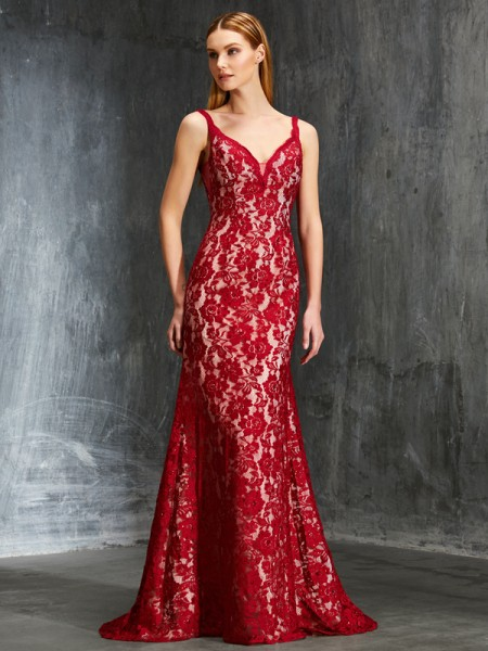 Sheath/Column Spaghetti Straps Sleeveless Sweep/Brush Train Applique Lace Dresses