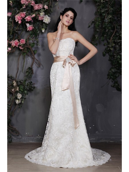 Sheath/Column Strapless Sleeveless Sash Long Lace Wedding Dresses