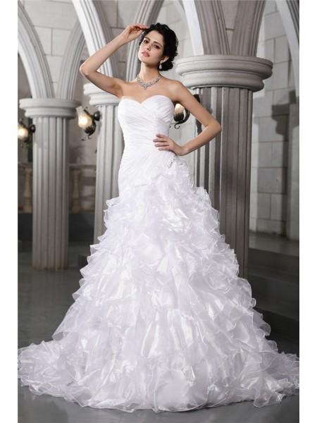 A-Line/Princess Sweetheart Sleeveless Pleats Beading Long Organza Wedding Dresses