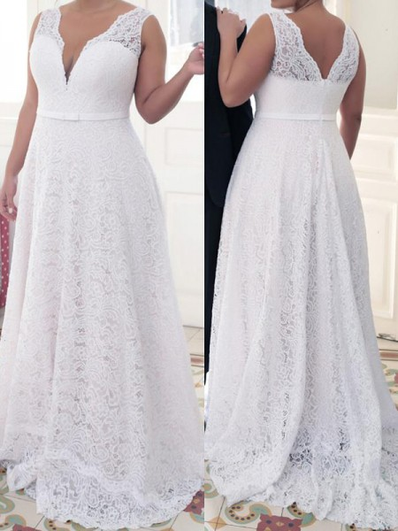 A-Line/Princess V-neck Sleeveless Lace Sweep/Brush Train Lace Plus Size Dresses