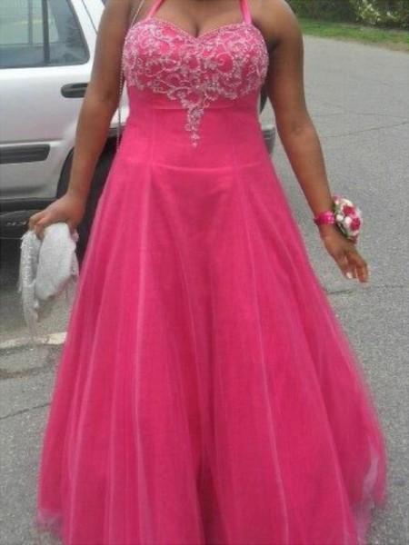 A-Line/Princess Halter Sleeveless Beading Floor-Length Tulle Plus Size Dresses
