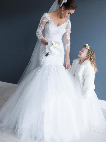 Trumpet/Mermaid V-neck Tulle Lace 3/4 Sleeves Court Train Wedding Dresses