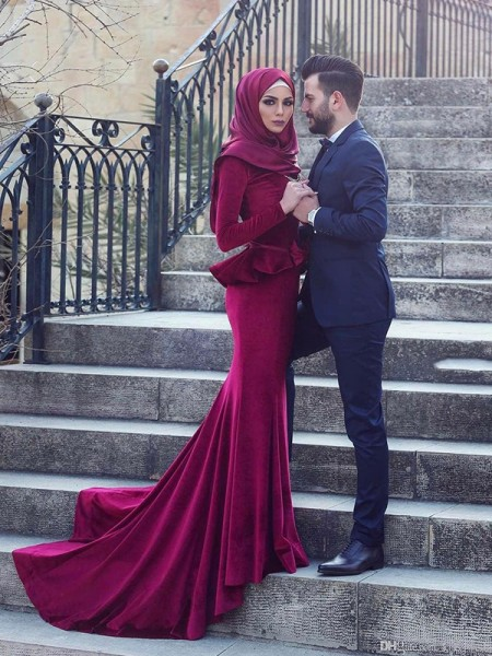 Trumpet/Mermaid Long Sleeves Scoop Sweep/Brush Train Ruffles Velvet Muslim Dresses