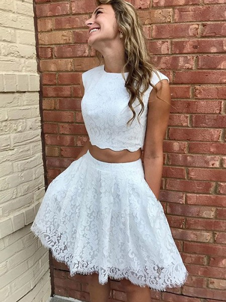 A-Line/Princess Lace Lace Scoop Sleeveless Short/Mini Homecoming Dresses