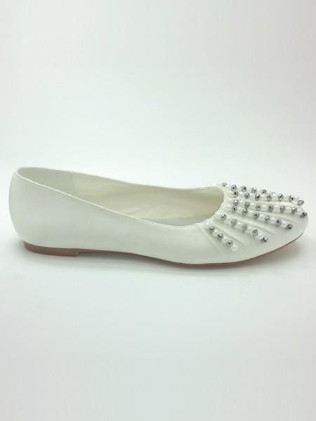 Women's Satin Closed Toe Flat Heel Beading Wedding Shoes